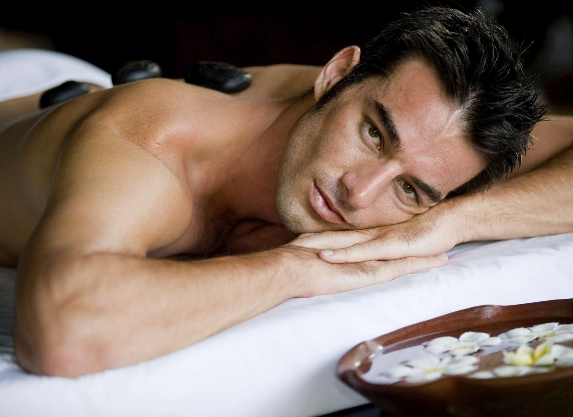 Hot Stone Massage im Wellnesshotel Alpen-Karawanserai - 1191520