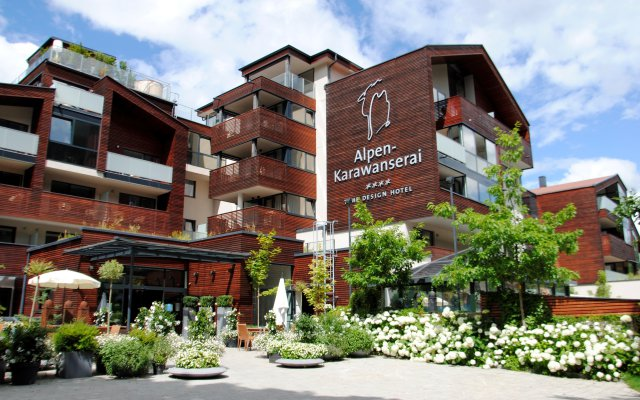 4 s wellnesshotel in saalbach hinterglemm in sterreich for Designhotels in den alpen