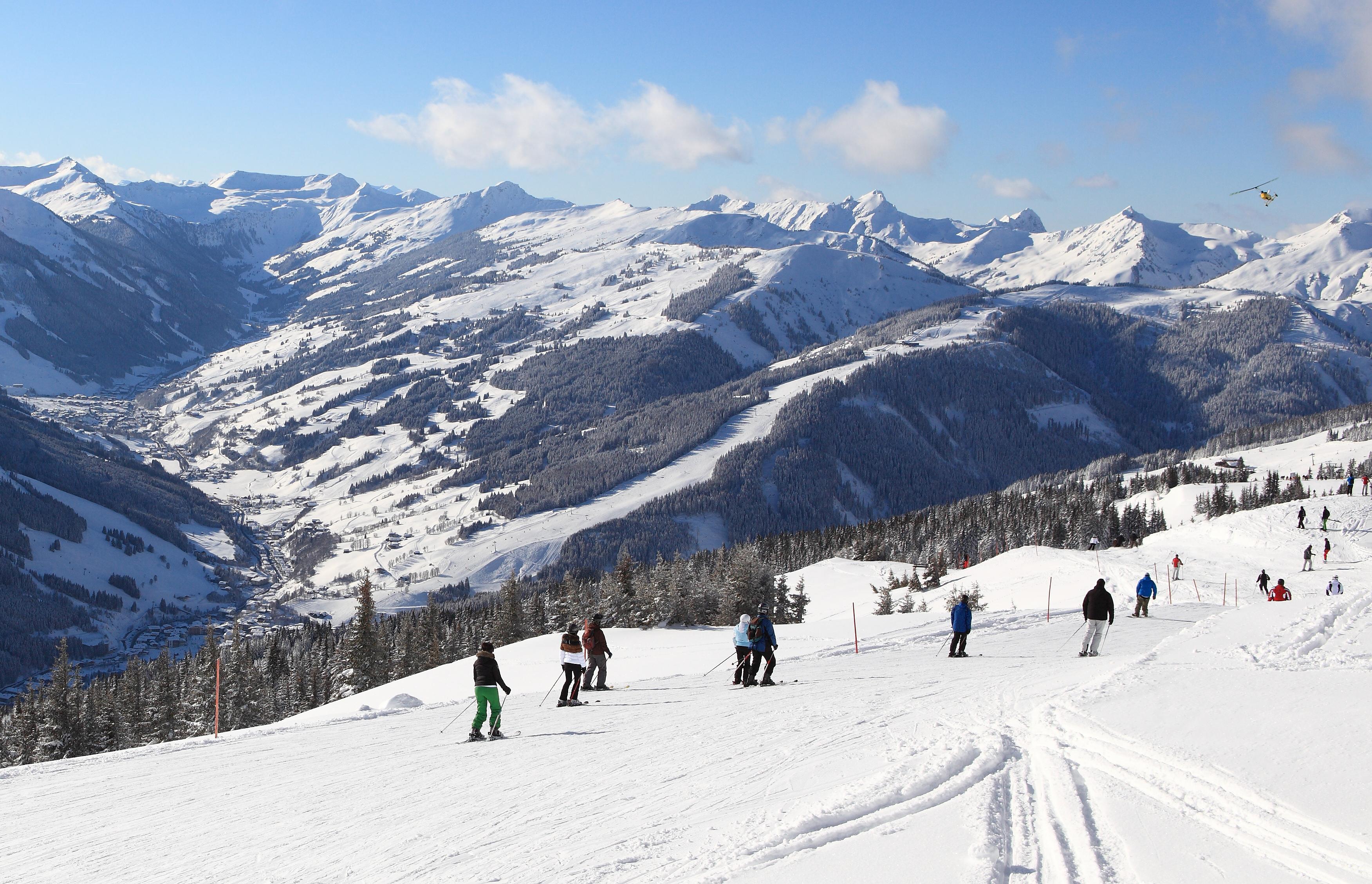 Ski snowboard in saalbach hinterglemm alpen for Designhotel skigebiet